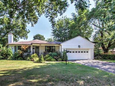 Tulsa Single Family Home For Sale: 2735 S Gary Drive