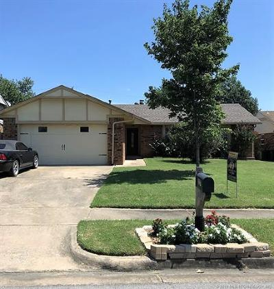 Tulsa Single Family Home For Sale: 227 S 182nd East Avenue