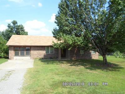 Tahlequah OK Single Family Home For Sale: $153,900