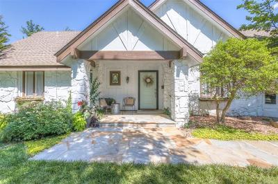 Tulsa Single Family Home For Sale: 5917 S Knoxville Avenue