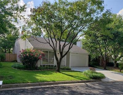 Tulsa Single Family Home For Sale: 8162 S Jamestown Avenue