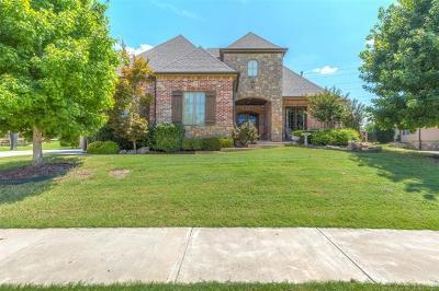 Tulsa Single Family Home For Sale: 630 W 80th Street