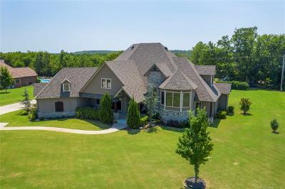 Tulsa Single Family Home For Sale: 5234 Oak Meadow Drive