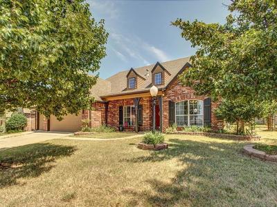 Owasso Single Family Home For Sale: 9309 N 98th Court E