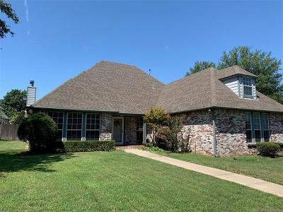 Tulsa Single Family Home For Sale: 9612 S 68th East Avenue