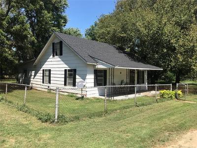 Oilton Single Family Home For Sale: 210 E 1st Street