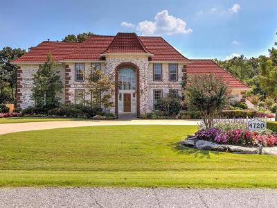Tulsa Single Family Home For Sale: 4720 Oak Leaf Drive