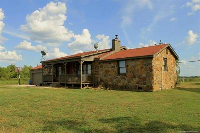 Sallisaw Single Family Home For Sale: 467072 Highway 101 Highway