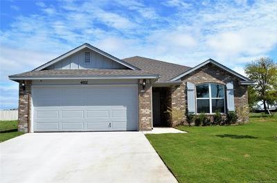 Broken Arrow Single Family Home For Sale: 401 S 48th Court