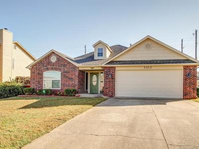 Sand Springs Single Family Home For Sale: 5323 S Spruce Drive