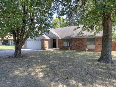 Owasso Single Family Home For Sale: 12004 E 89th Place North