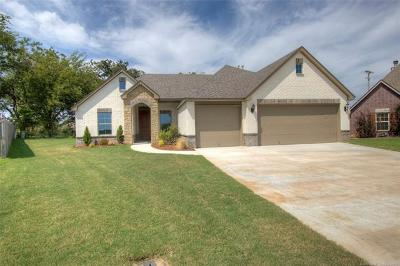 Claremore Single Family Home For Sale: 25110 Shadetree Place
