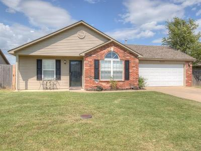 Collinsville Single Family Home For Sale: 12005 E 115th Place North