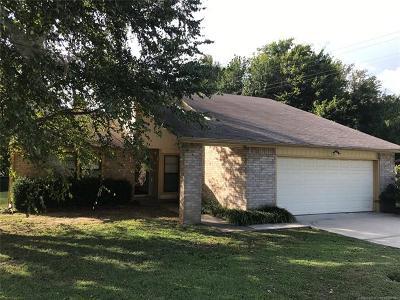 Broken Arrow Single Family Home For Sale: 2116 N 28th Street