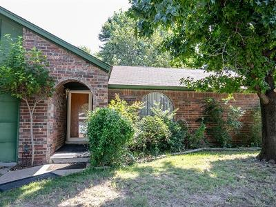 Tulsa Single Family Home For Sale: 2719 S 136th East Place