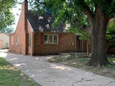 Tulsa Single Family Home For Sale: 2708 E 13th Street