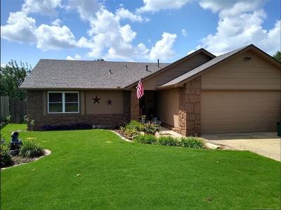 Broken Arrow Single Family Home For Sale: 3114 S Maple Place