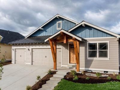 Redmond Single Family Home Contingent Bumpable: 445 Northwest 28th Street
