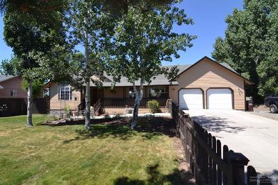 Single Family Home For Sale: 3210 Northeast Yellowpine Road