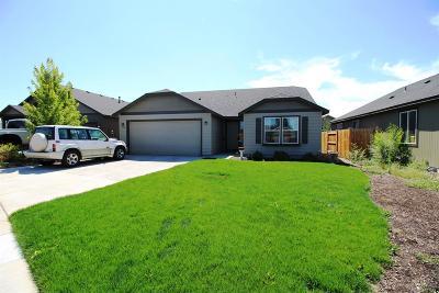 Redmond Single Family Home For Sale: 3114 Southwest Obsidian Court