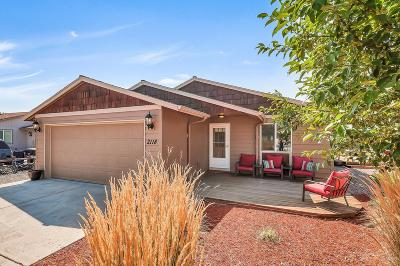 Redmond Single Family Home For Sale: 2118 Southwest Meadowbrook Drive
