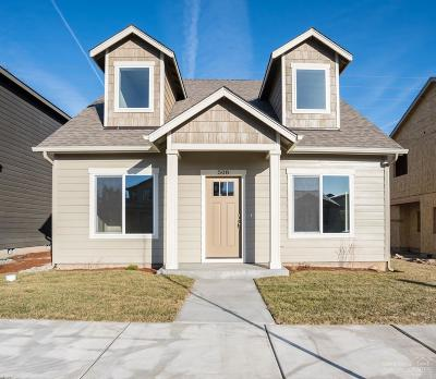 Single Family Home For Sale: 508 Southeast Gleneden Place