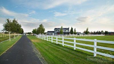 Redmond Single Family Home For Sale: 7070 Northeast Juniper Ridge