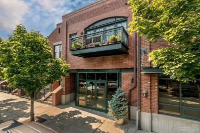 Bend Condo/Townhouse For Sale: 17 Southwest Bond Street