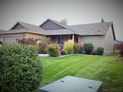 Redmond Single Family Home For Sale: 814 Northeast Quince Place