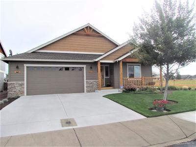 Redmond OR Single Family Home For Sale: $329,900