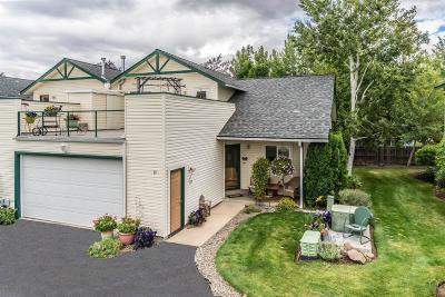 Redmond Condo/Townhouse For Sale: 438 Northwest 19th Street #17