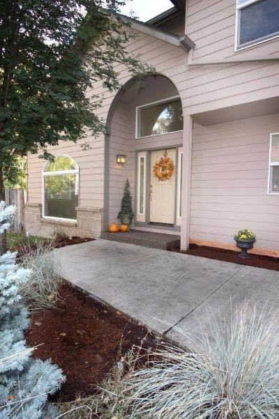 Bend Single Family Home For Sale: 357 Southeast Soft Tail Loop