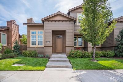 Bend Single Family Home For Sale: 647 Southwest Peak View Place