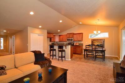 Redmond Single Family Home For Sale: 3682 Southwest Pumice Stone Avenue