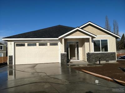 Redmond Single Family Home For Sale: 2433 Northwest 9th Court