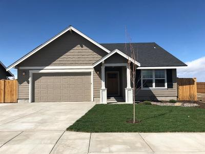 Redmond OR Single Family Home For Sale: $259,950