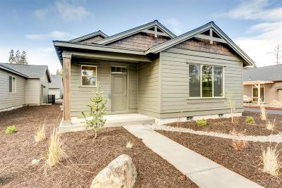 La Pine Single Family Home Contingent Bumpable: 51840 Hollinshead Place
