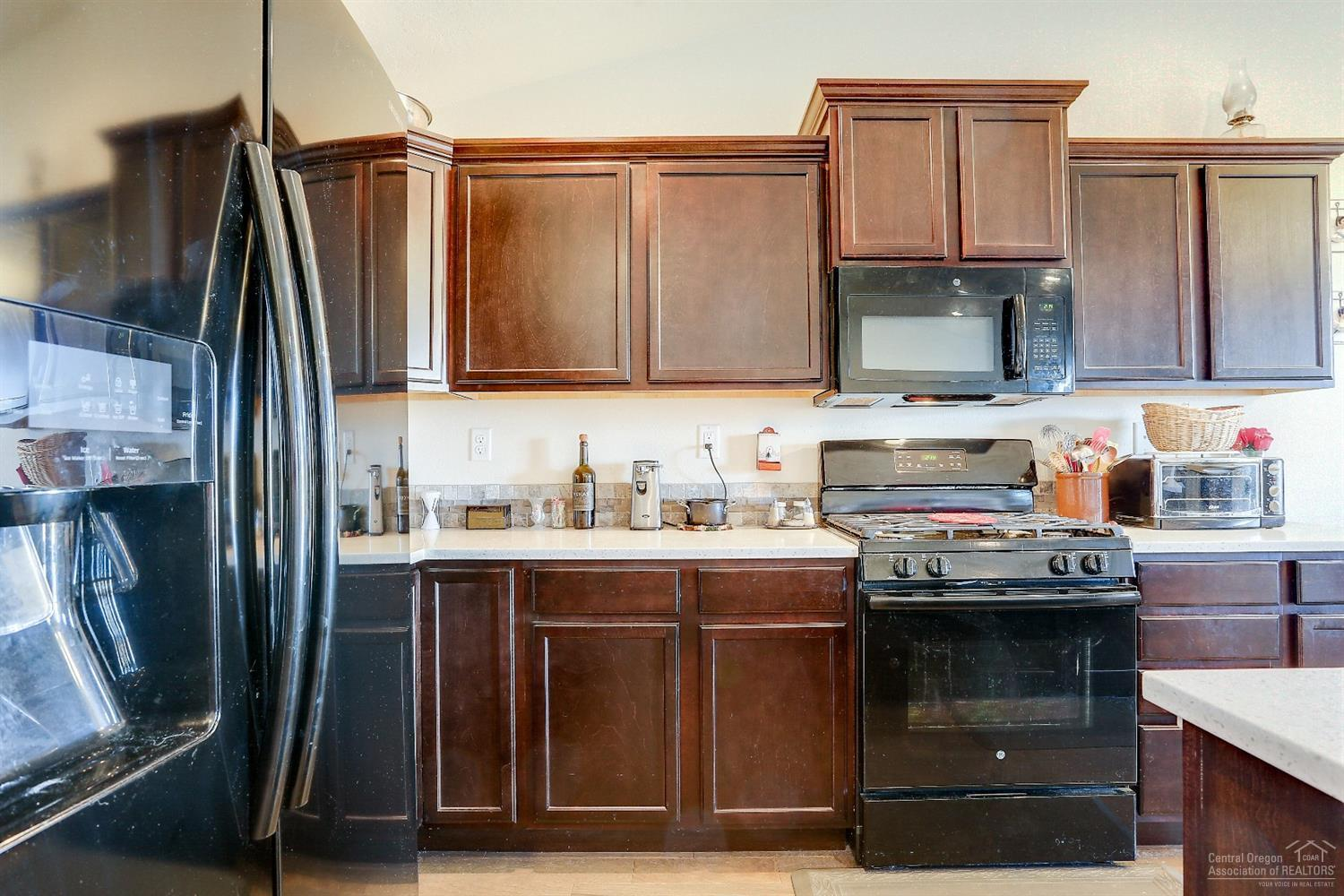 Listing: 960 Southwest 23rd Place, Redmond, OR.| MLS# 201800580 ...