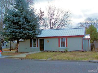 Prineville Single Family Home For Sale: 698 Northeast 6th Street