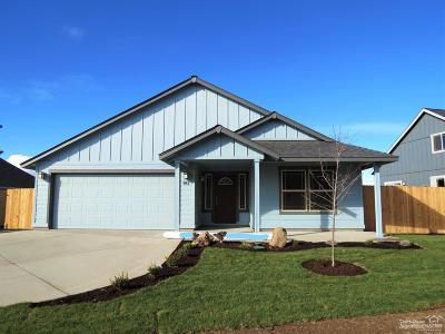 Redmond Single Family Home For Sale: 985 Southwest 26th Lane