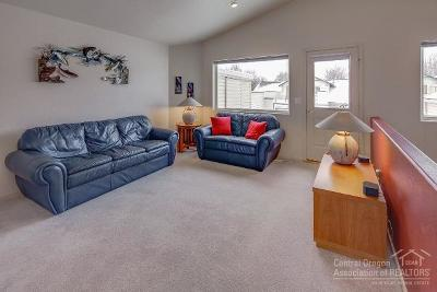 Redmond Condo/Townhouse For Sale: 438 Northwest 19th Street #14