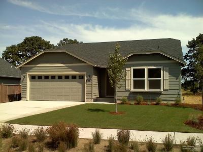 Redmond OR Single Family Home For Sale: $250,990