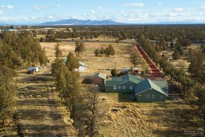 Single Family Home For Sale: 64815 North Highway 97
