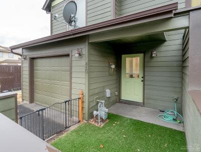 Redmond OR Condo/Townhouse For Sale: $215,900