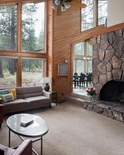 Sunriver Single Family Home For Sale: 17759 Woodland Lane