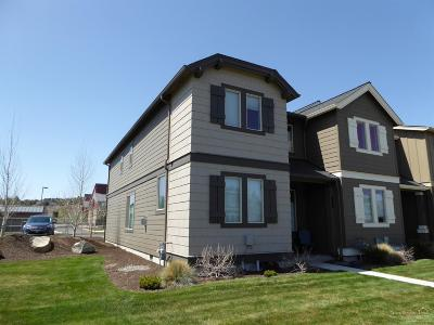 Redmond OR Condo/Townhouse For Sale: $273,000