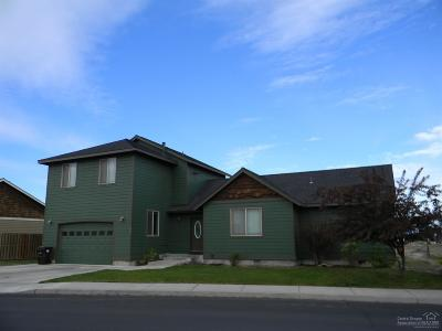 Redmond Single Family Home For Sale: 295 Northwest 28th Street
