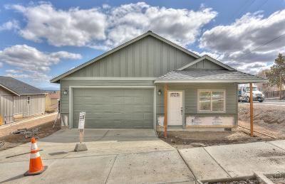 Redmond Single Family Home For Sale: 2898 Southwest 32nd Street