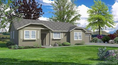 Redmond Single Family Home For Sale: 483 Northeast Poplar Avenue