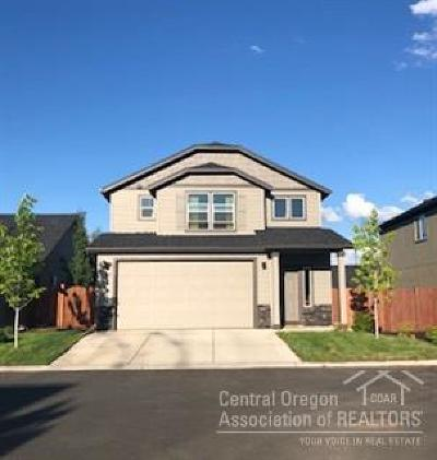 Single Family Home For Sale: 62854 Northeast Kinley Court